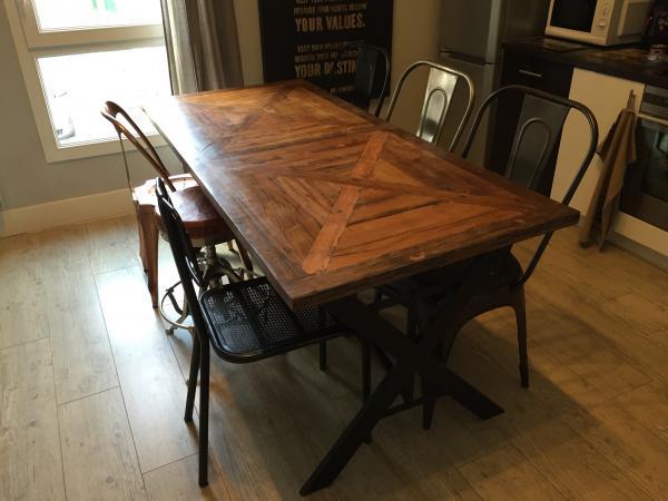 Maravillosa mesa de Cadé de 180 cm en mi cocina! La silla Multipl también!Gracias PIBHasta pronto