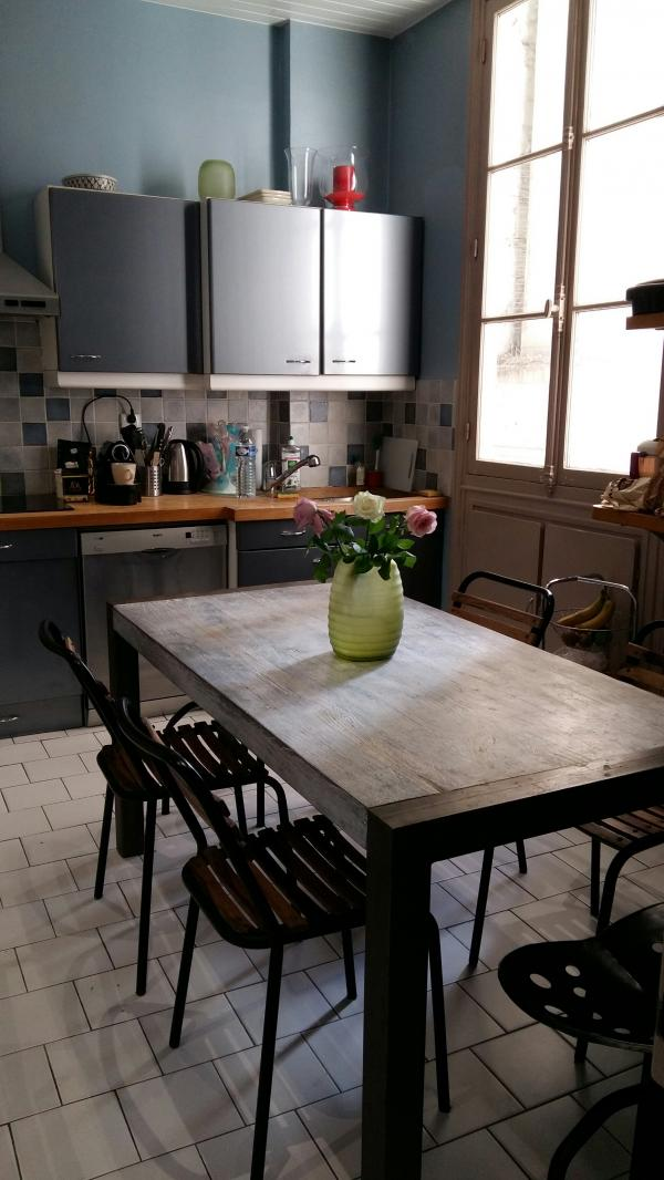 Mesa, sillas y taburetes PIB para una cocina acojedora!