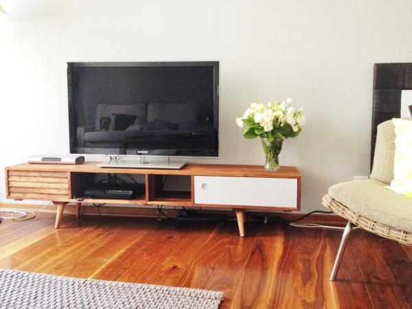 El mueble TV Stockholm es maravilloso. Perfecto para nuestr salón!
