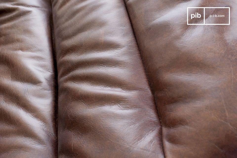 Esta elegante silla de cuero tiene la ventaja de ser a la vez un objeto de gran diseño