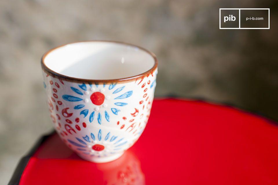 Dele un romántico toque de color a su café