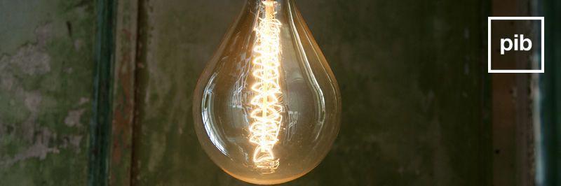 Antigua colección de bombillas decorativas