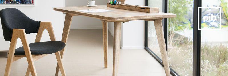 Antigua colección de escritorios modernos escandinavos