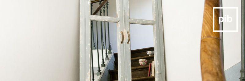 Antigua colección de espejos vintage industriales