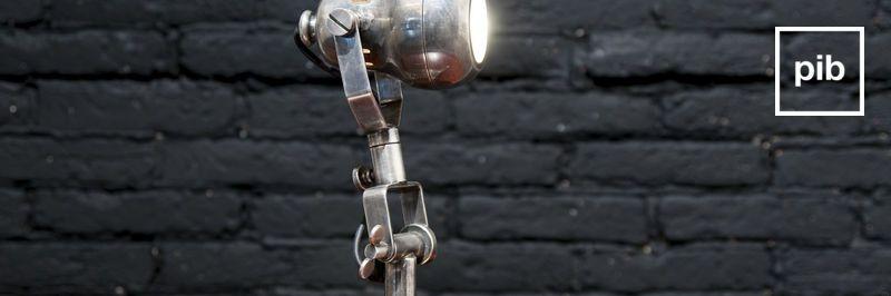 Antigua colección de lámparas de mesa de diseño vintage industrial