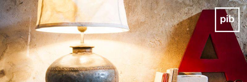 Antigua colección de lámparas rusticas shabby chic