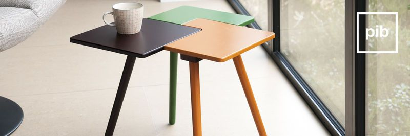 Antigua colección de mesas auxiliares de diseño escandinavo