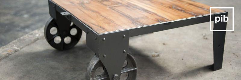 Antigua colección de mesas de centro industriales estilo vintage