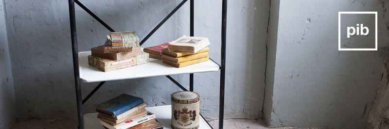 Antigua colección de muebles auxiliares de cocina de estilo escandinavo