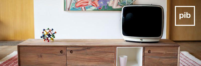 Antigua colección de muebles tv