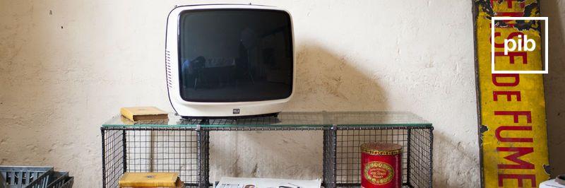 Antigua colección de muebles tv vintage industriales