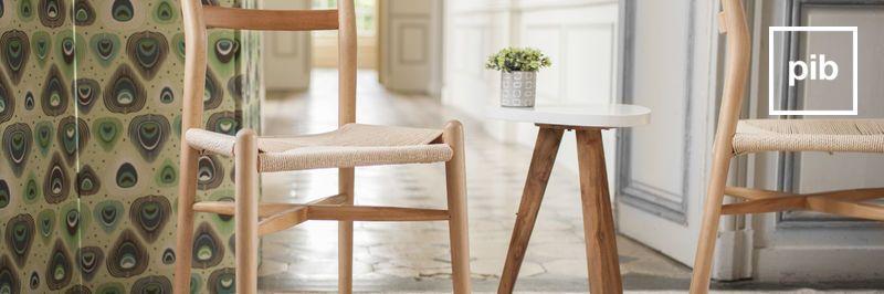 Antigua colección de sillas