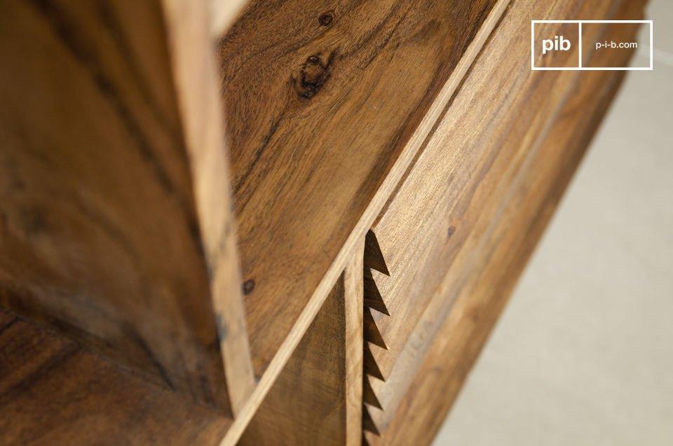 Este aparador madera maciza Stockholm