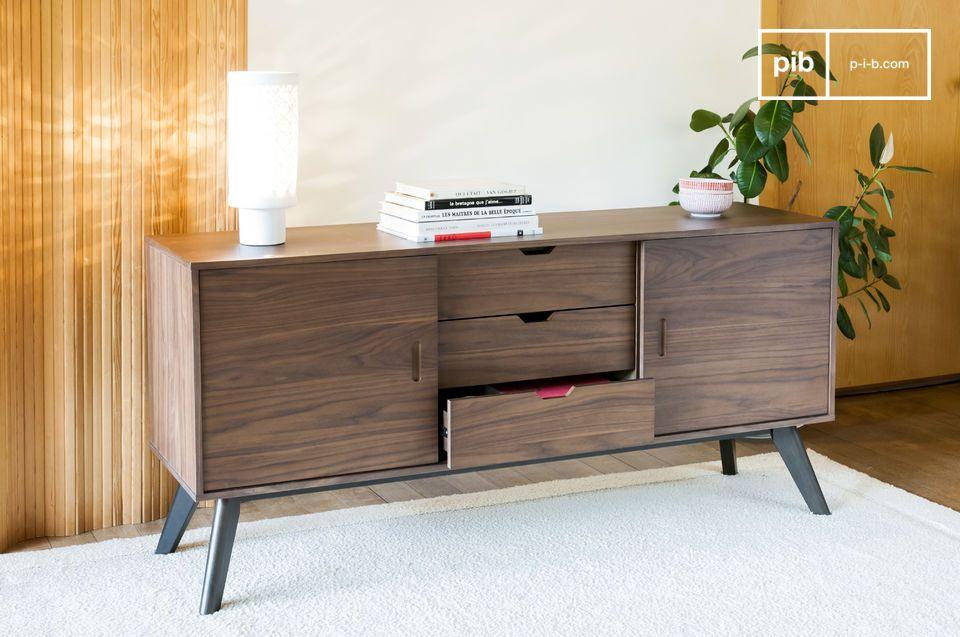 Una unidad de almacenamiento que combina madera de nogal con líneas rectas para un aspecto