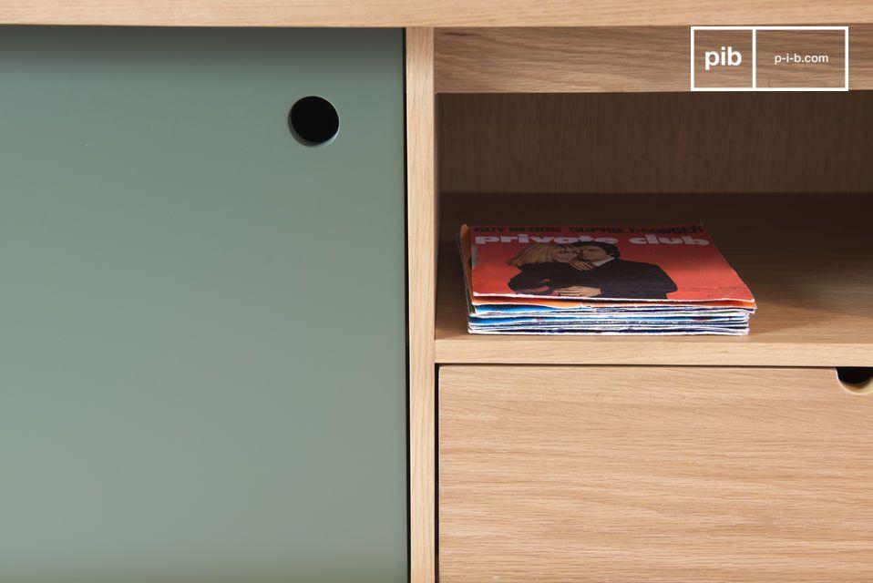 Un mueble de madera preciosa, que incluye un diseño cuidadoso