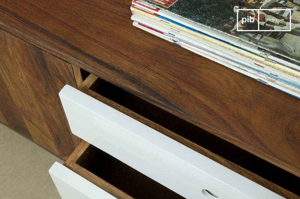 Este aparador está inspirado en los muebles escandinavos y los aparadores modernos de los años