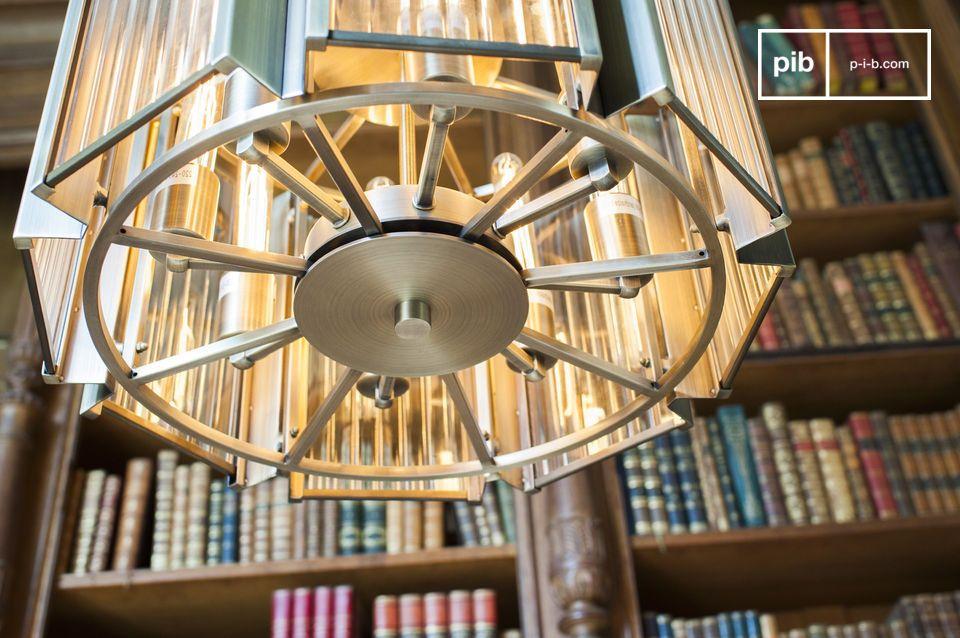 La araña Antibes combina un diseño de principios del siglo XX con una impecable calidad de