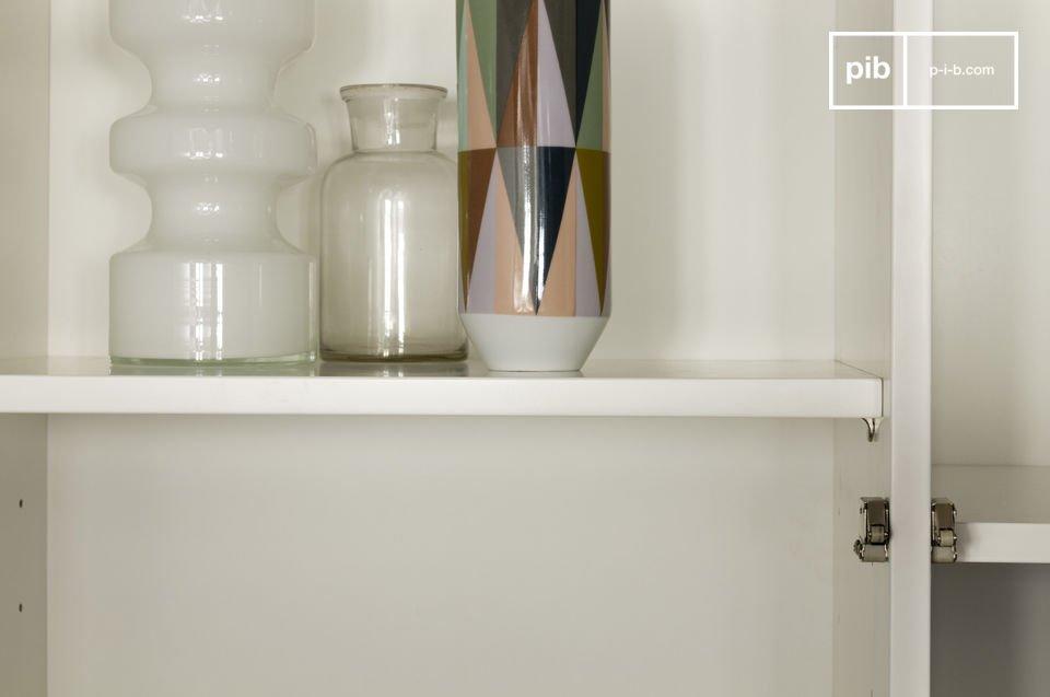 Escoja un armario que combina los aspectos prácticos de diseño moderno y la elegancia de la