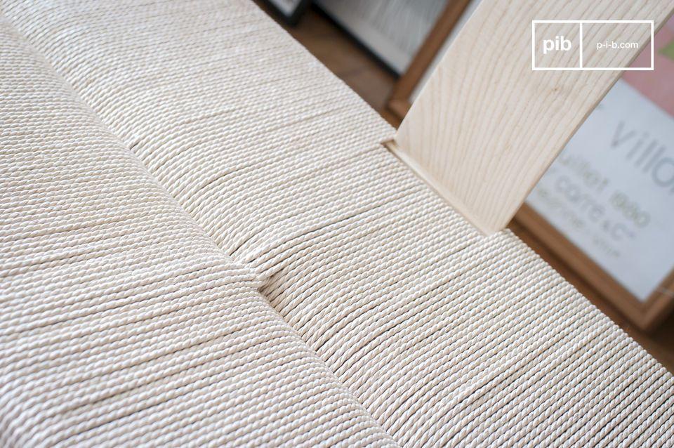 Gracias a su combinación de materiales naturales y líneas inspiradas en el diseño de los años 50