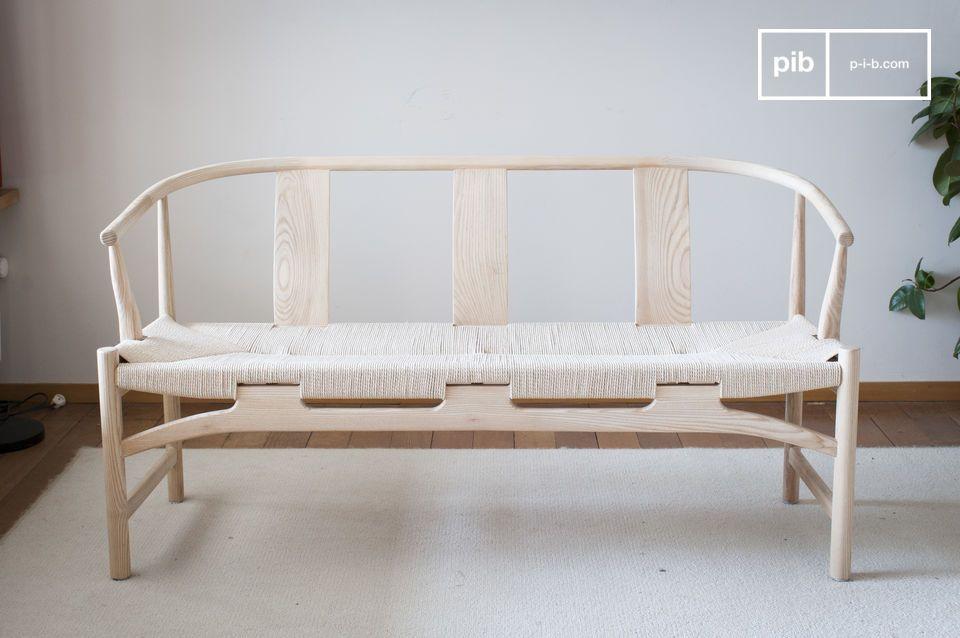 Este banco de estilo escandinavo añadirá fácilmente un toque de encanto vintage a su decoración