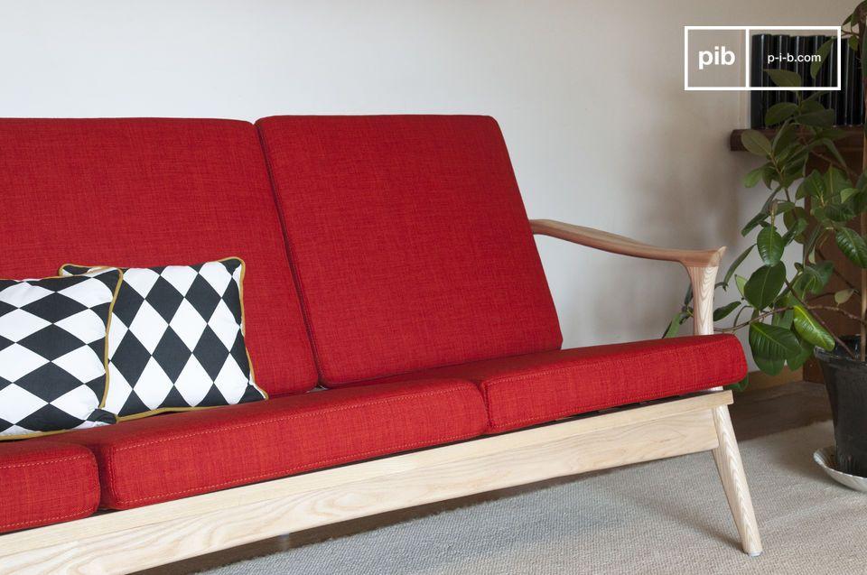Combinando el confort y la practicidad de un tejido resistente con líneas suaves de los años 50