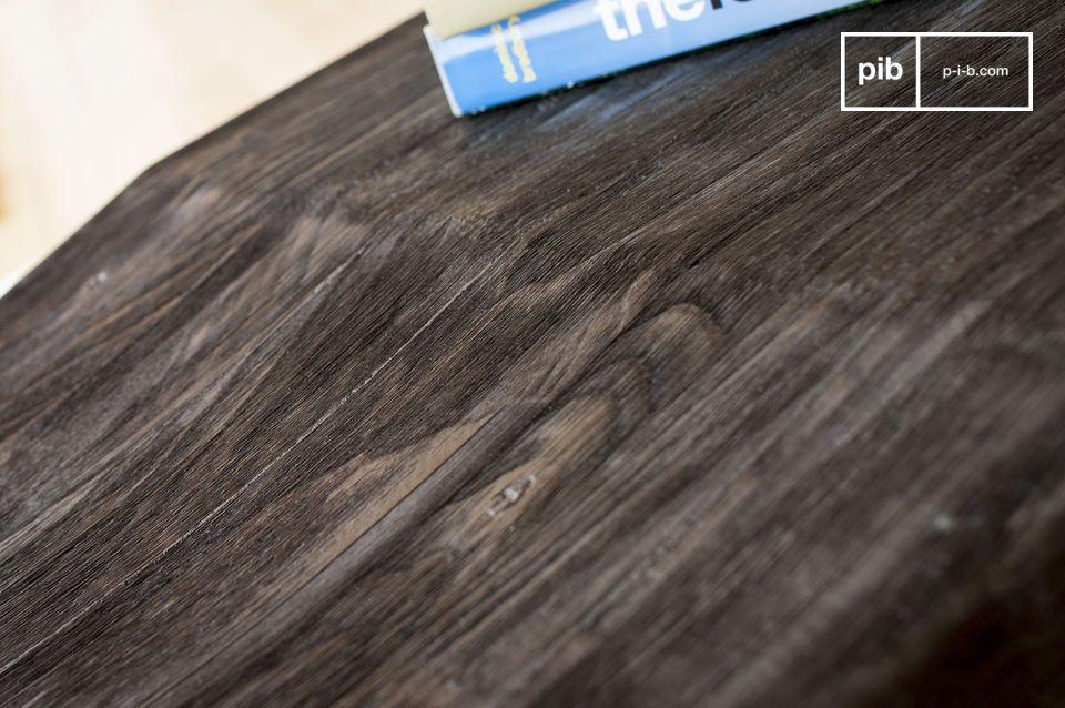 La parte de madera se compone de dos partes