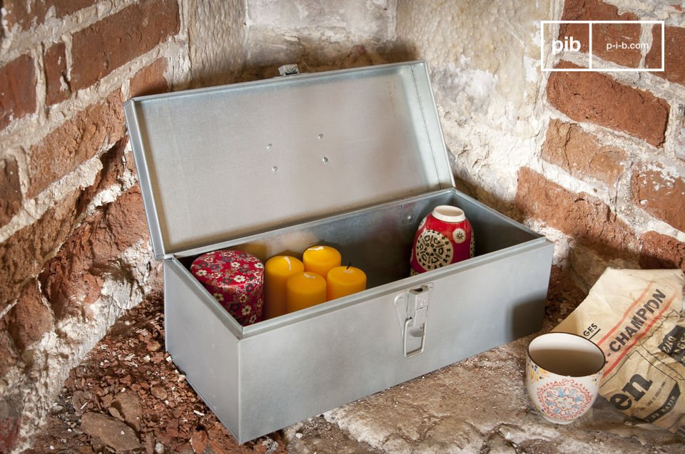 Una caja práctica del estilo retro vintage