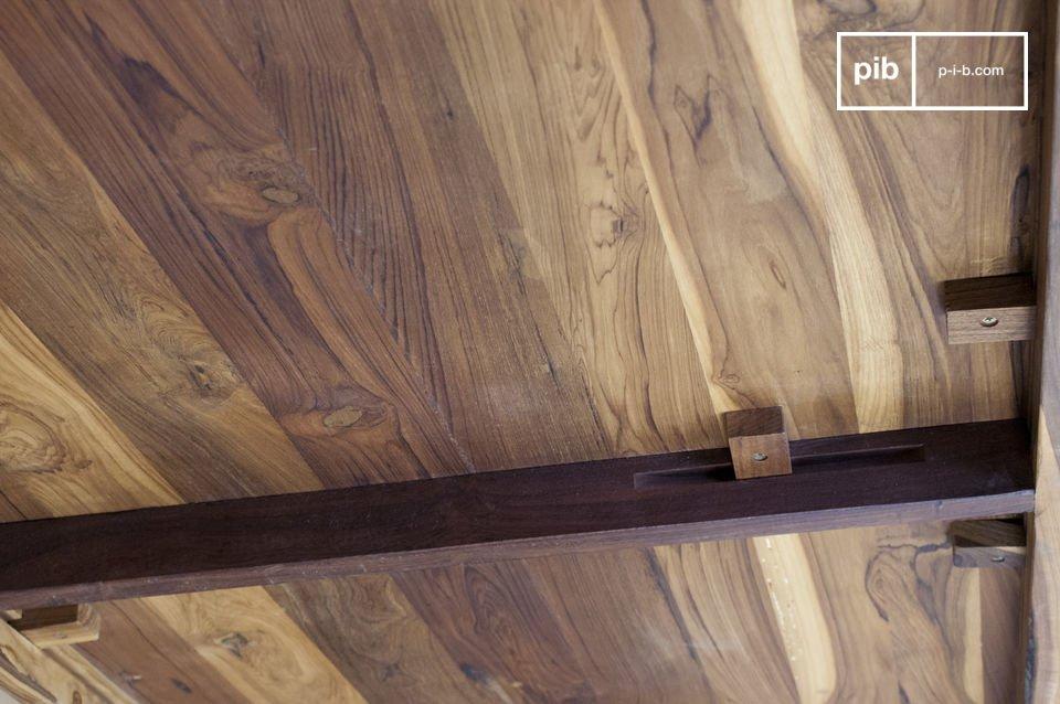 Mesa de comedor diseñada con acero y madera noble