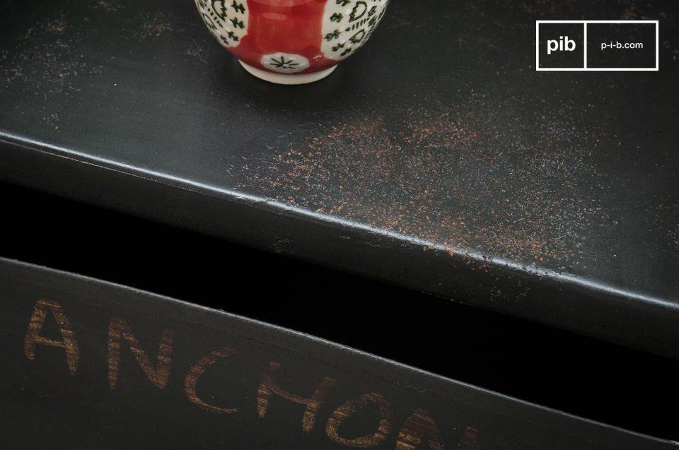 Los nombres en francés de diferentes herramientas de fontanero están dibujados a mano