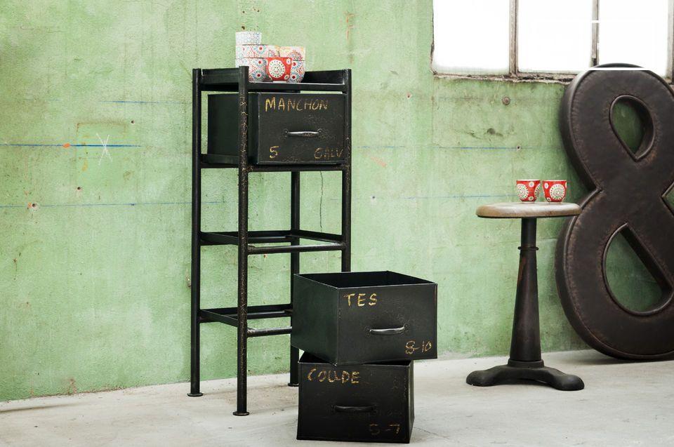 Pieza de almacenamiento con todo el estilo industrial vintage