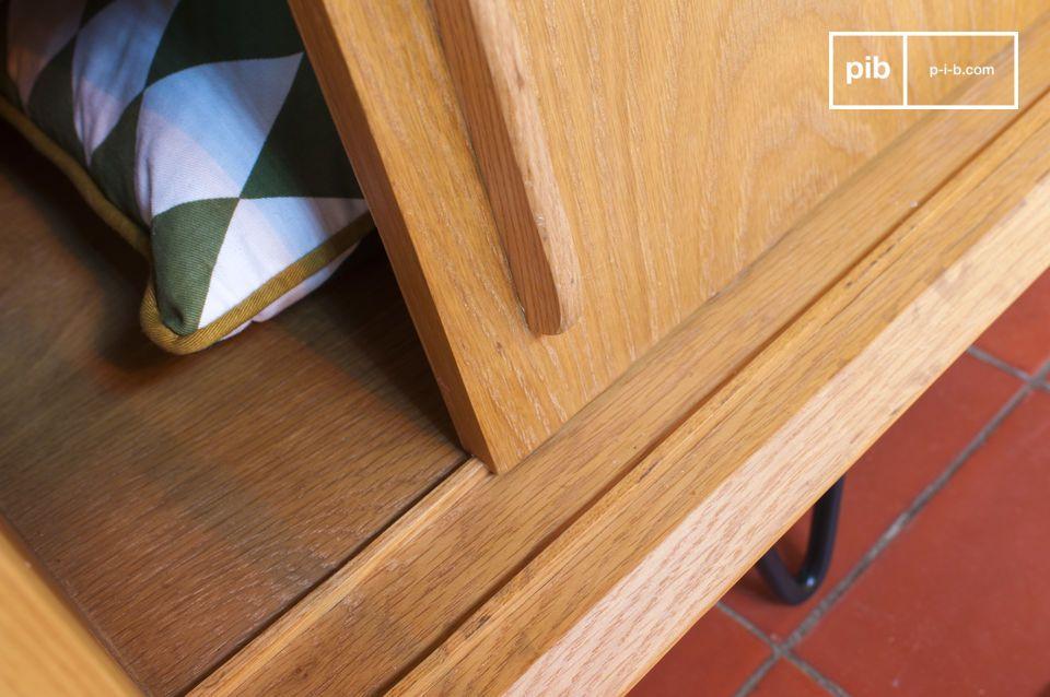 Las puertas que se deslizan sobre guías de madera pueden solaparse completamente