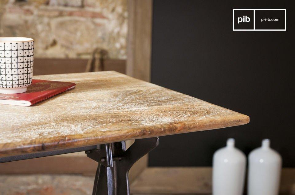 La consola Jetson es estéticamente un hermoso mueble que combina el diseño industrial con