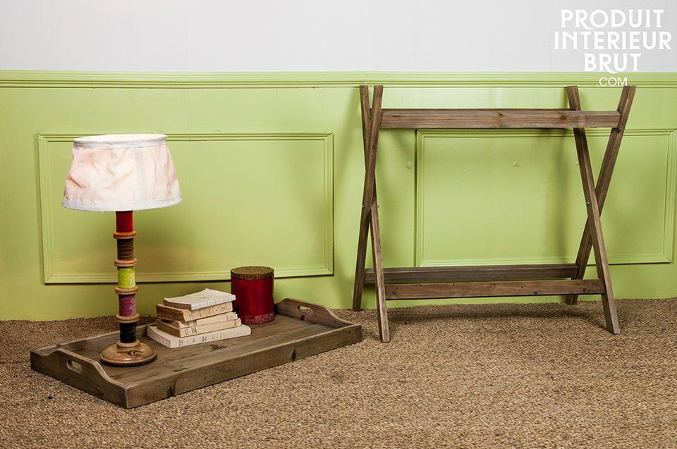 Mesa ajustable con una bandeja llena de personalidad