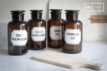 Cuatro botellas de Boticario