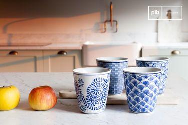 Cuatro Tazas de Porcelana Blue Lagoon