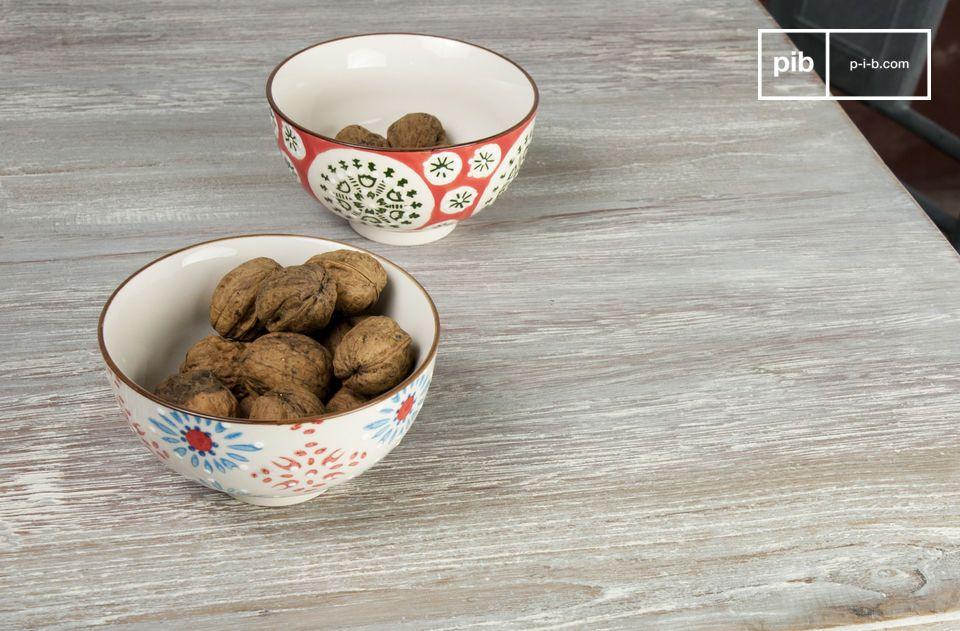 Un hermoso conjunto de tazones de cerámica