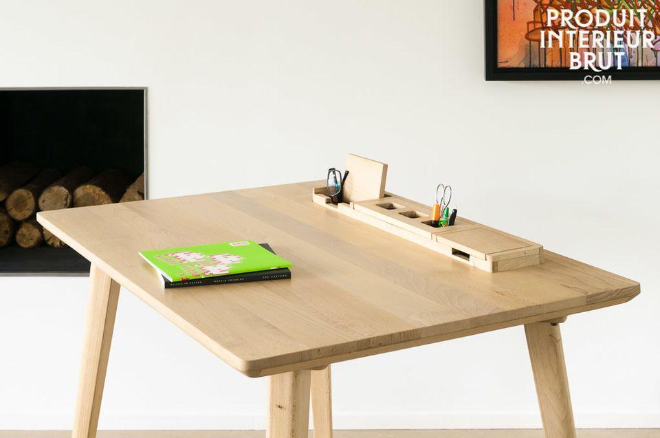 El escritorio Moka está hecho totalmente de madera de haya y le dará a su estudio un toque del