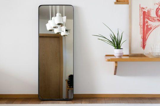 Espejo con marco negro Ascain