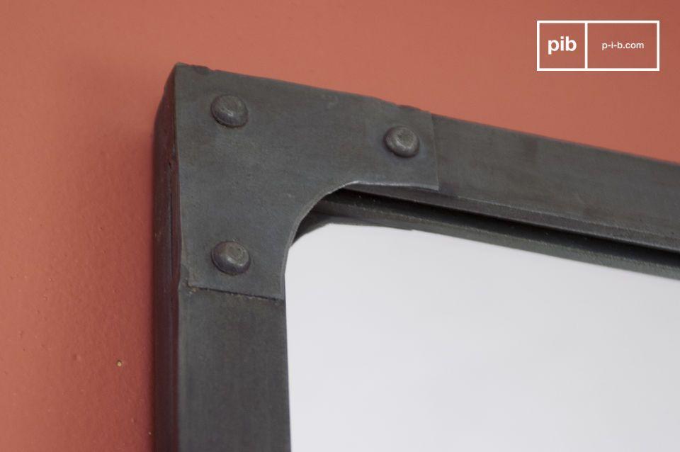 Usted apreciará la protección de las láminas de acero remachadas que posee