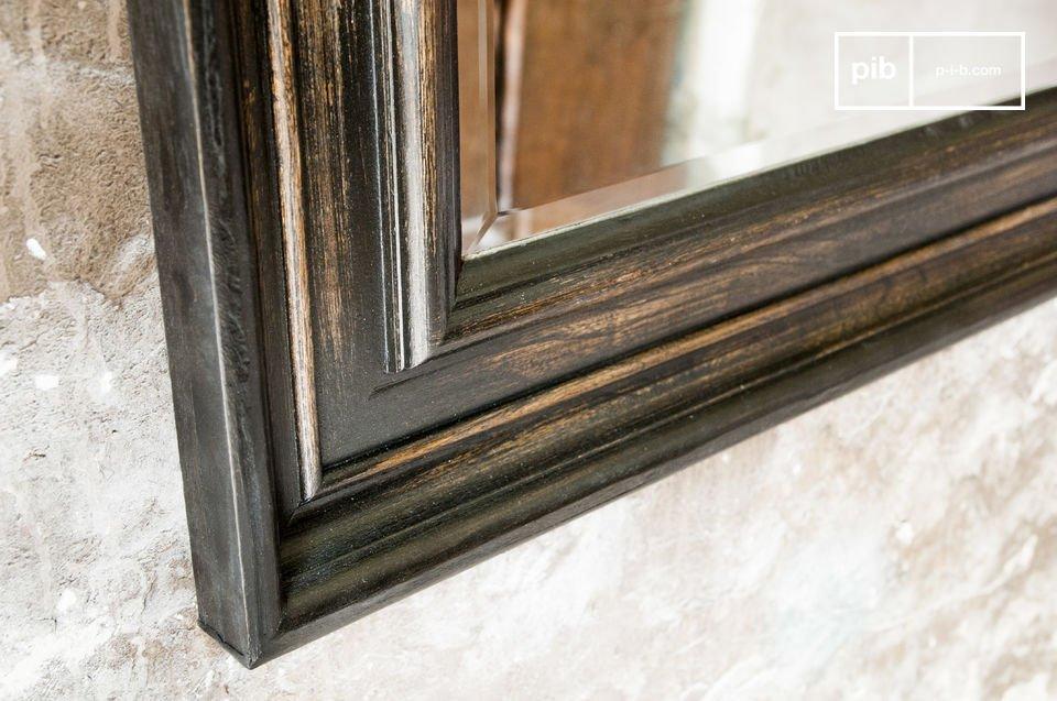 El espejo Sigara es una excelente opción para decorar sus paredes
