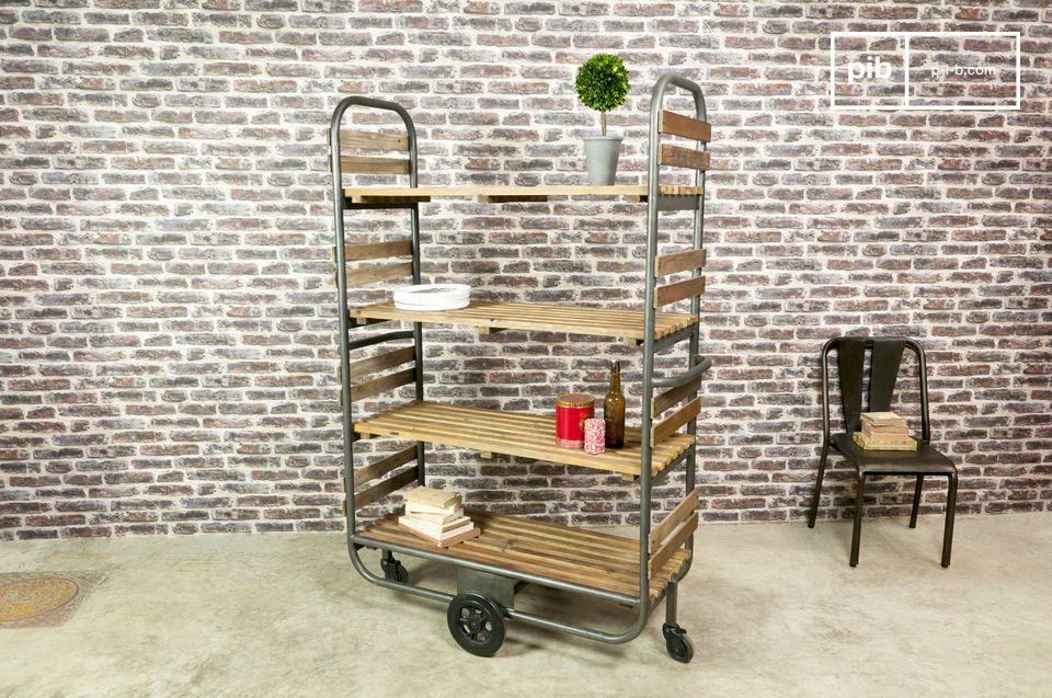 Diseñado para ser robusto con acero y pino macizo envejecido