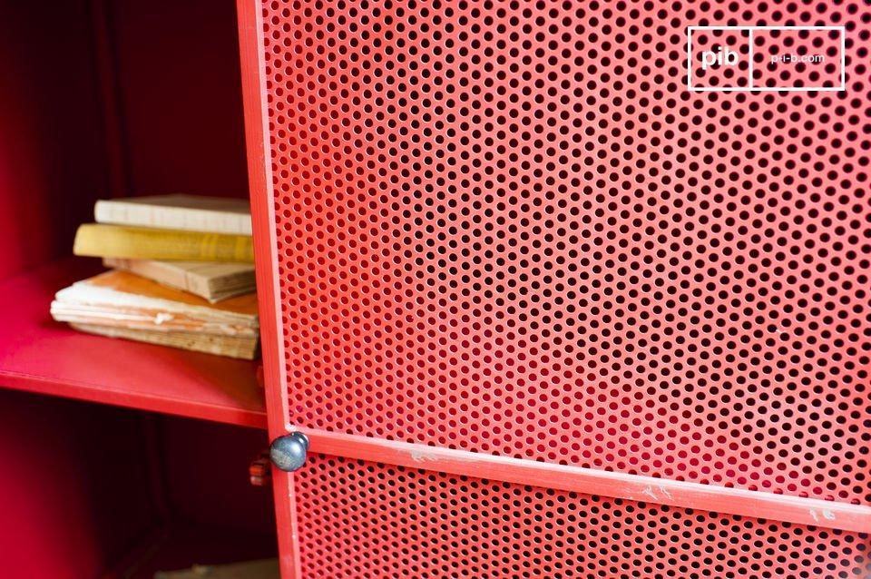 Elija un armario metálico que combina dos estilos diferentes