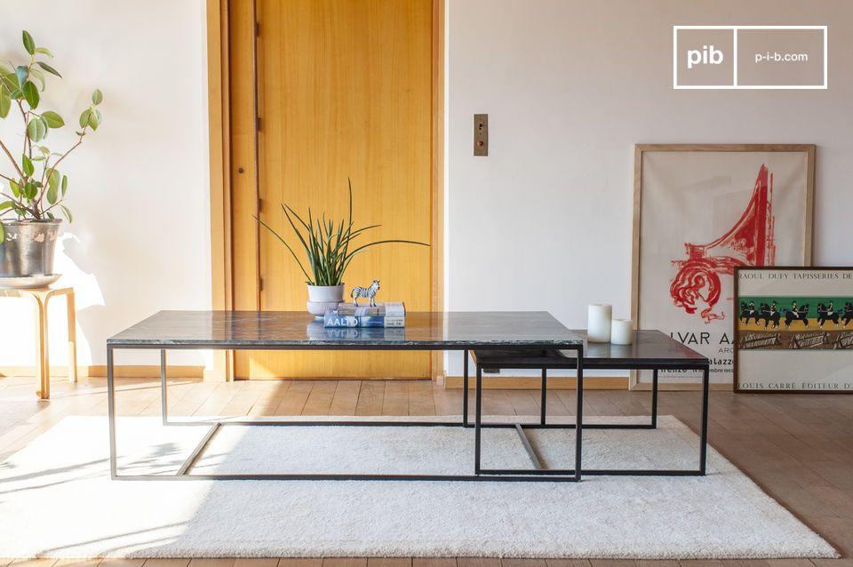 Esta mesa permite disfrutar de un aperitivo con muchos invitados