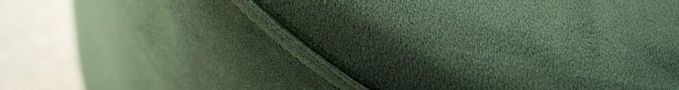 Descriptivo Materiales  Gran puf de latón y terciopelo de Dallas