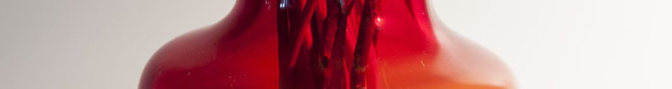 Descriptivo Materiales  Jarrón de cristal rojo Bobby