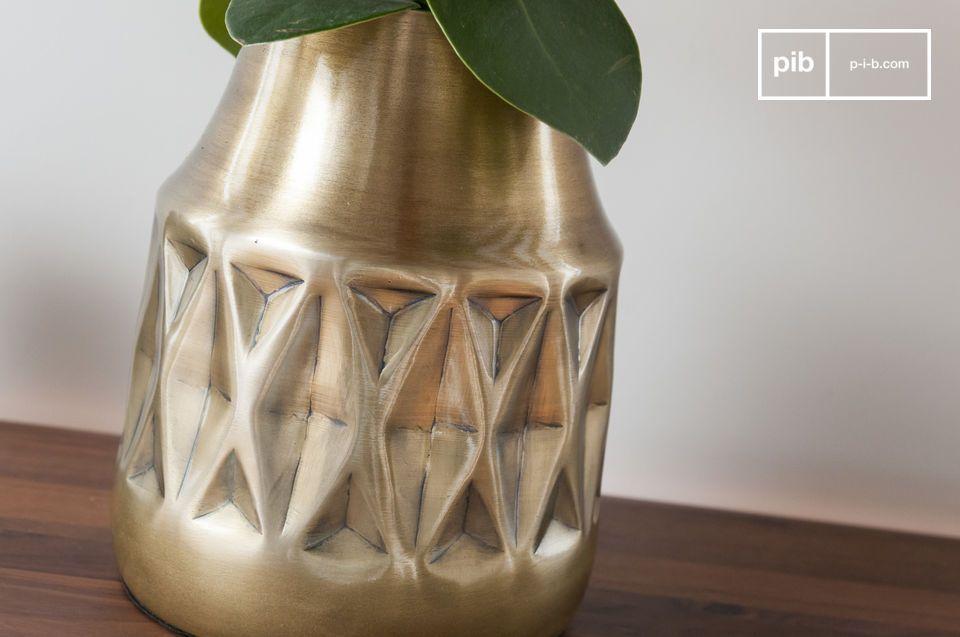 Diseño geométricos y latón barnizado para un espíritu vintage exitoso