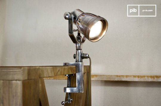 Lámpara ajustable para mesas