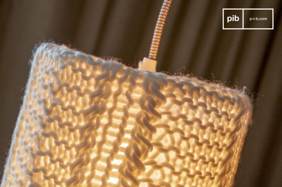Una hermosa lámpara con todo el estilo vintage