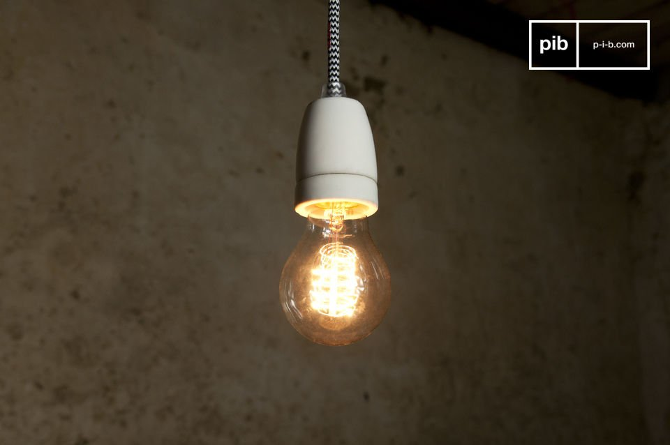 Este artículo se puede utilizar como es como una lámpara de suspensión de techo