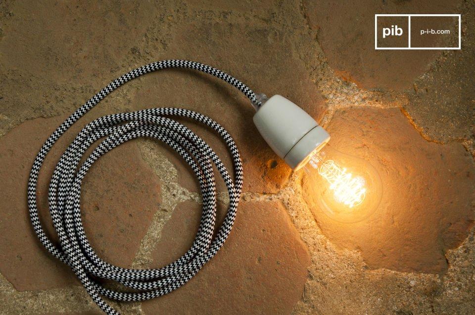 Diseñe un hermoso candelabro atando varias de estas lámparas a su techo